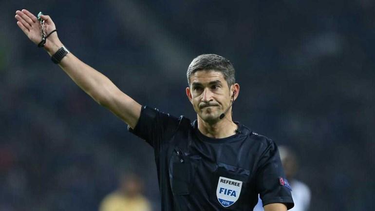 Viktor Kassai é o árbitro — Olympiakos-Sporting