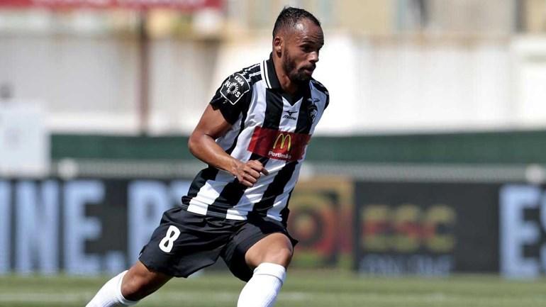 Paulinho renovou contrato com o Portimonense até 2022