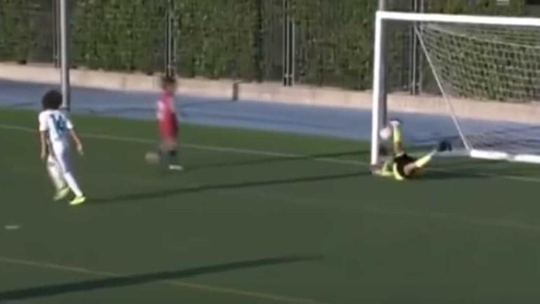 Filho de Marcelo estreou-se pelo Real Madrid com este hat trick