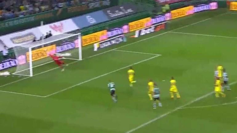 Mathieu abre o marcador para o Sporting de livre direto
