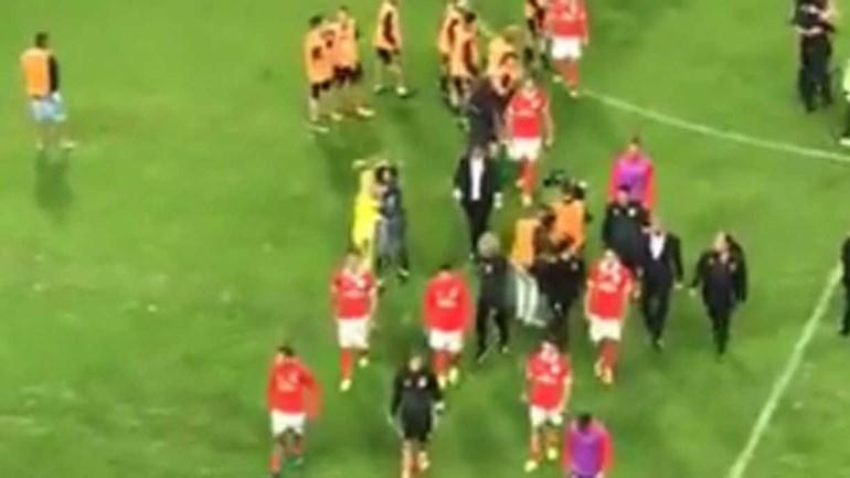 Guarda-redes do Boavista confortou Bruno Varela no final