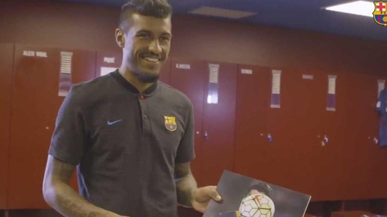 Paulinho já andou a faturar no Barcelona e... abriu a boca sobre os companheiros de equipa