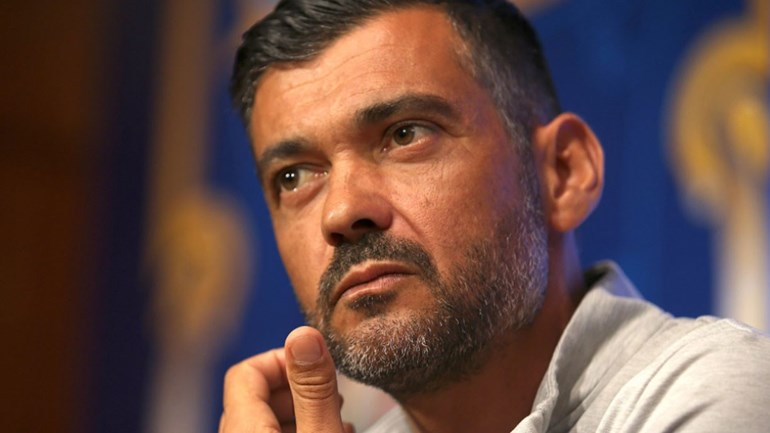 FC Porto goleia e pressiona Sporting antes do clássico — Crónica