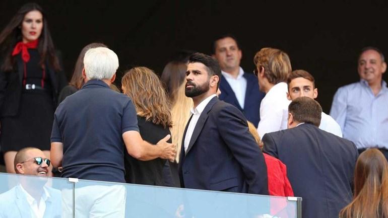 Diego Costa passou testes médicos e foi 'mostrar-se' aos adeptos do Atlético Madrid