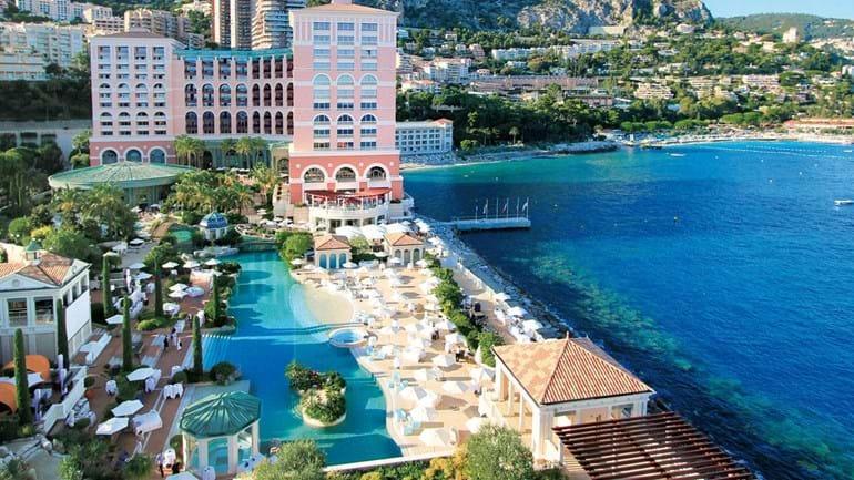 FC Porto pode 'tropeçar' em Balotelli no hotel onde está instalado no Mónaco