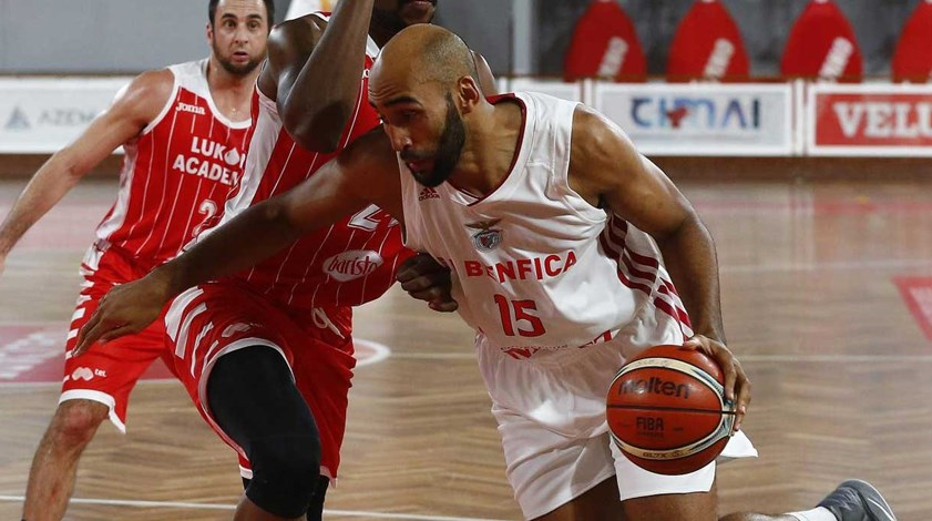 Benfica perde em casa com o Lukoil