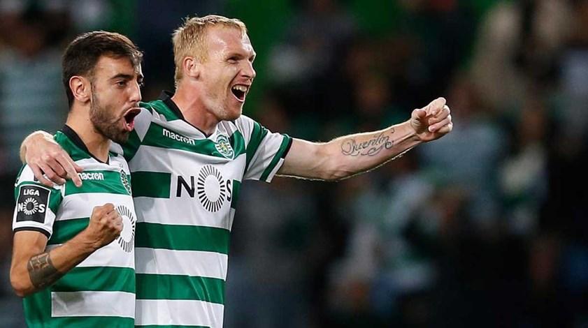 Mathieu garante que no Sporting não há questões de ego na hora de marcar os livres