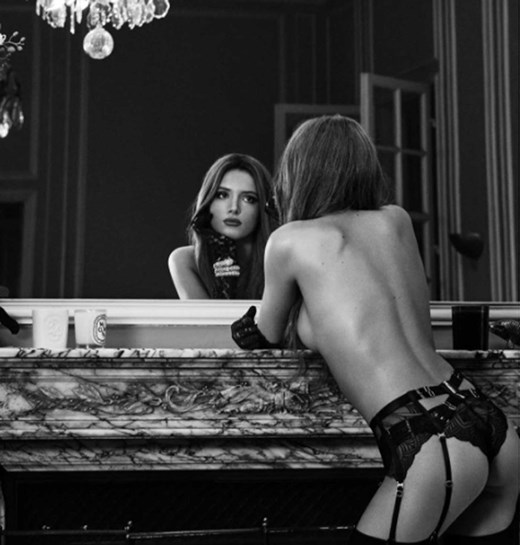 Bella Thorne faz ensaio sem roupa e pede fotos sem retoques