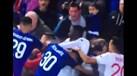 Adepto do Everton pediu satisfações a Anthony Lopes com uma criança ao colo