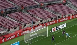 Barcelona supera Las Palmas com bis de Messi