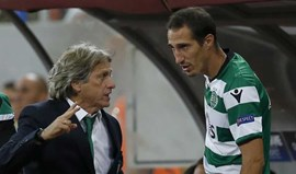 Jorge Jesus inclinado a colocar Petrovic como central