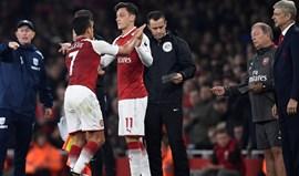 Wenger admite saída de Alexis Sánchez e Özil do Arsenal em janeiro