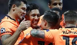 Liverpool arrasa Maribor e ascende ao topo do Grupo E