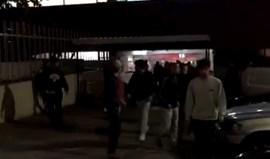 Adeptos do Benfica provocam o caos no bar do Estádio do Aves