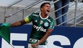 Palmeiras vence no reduto do Grémio e sobe ao 2.º lugar