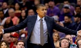 Phoenix Suns despedem treinador após três derrotas consecutivas