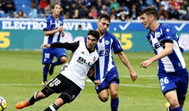 Valencia vence Alavés e conquista o sexto triunfo consecutivo na Liga espanhola