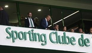 Pinto da Costa e Bruno de Carvalho estão a ver o jogo lado a lado