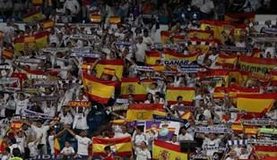 Bancadas do Bernabéu 'inundadas' por bandeiras espanholas