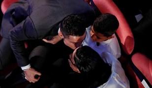 A celebração de Ronaldo: do beijo a Georgina à foto de família