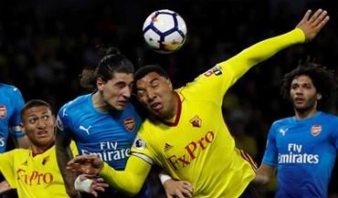 Avançado do Watford diz que o que falta aos jogadores do Arsenal é terem 'tomates'
