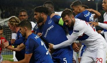 Adepto que tentou agredir Anthony Lopes vai ser banido pelo Everton
