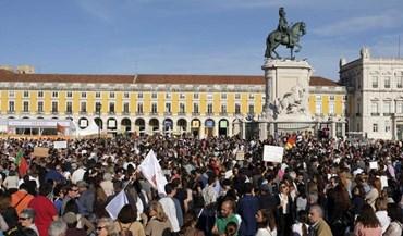 Emoção, exigências e ainda desacatos nas manifestações contra os incêndios