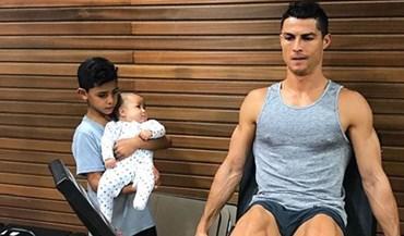 Filhos de Ronaldo já aprendem a cuidar do físico com o pai