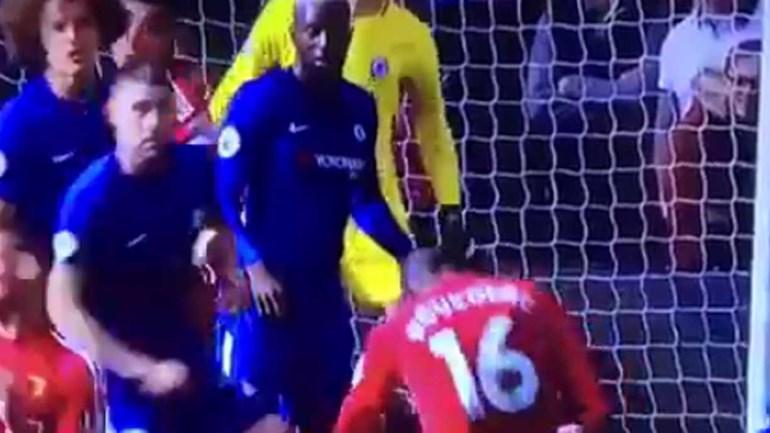 David Luiz cortou mal e Doucouré meteu a bola pelo 'buraco da agulha'