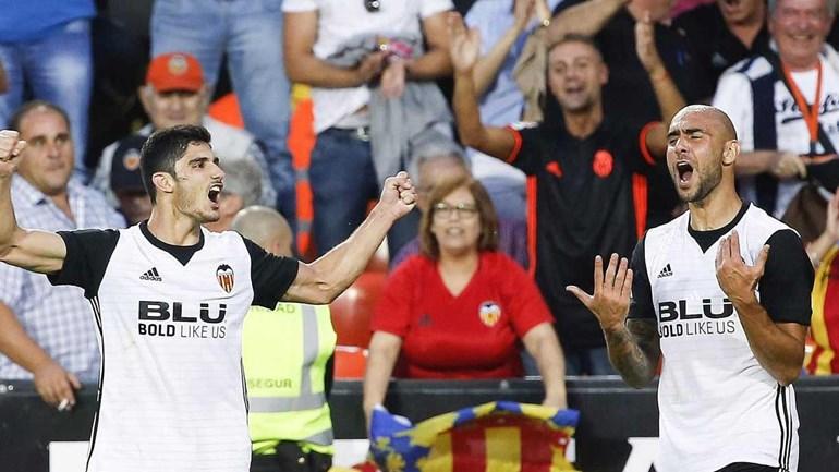 Bis e show de Gonçalo Guedes na goleada do Valencia ao Sevilha