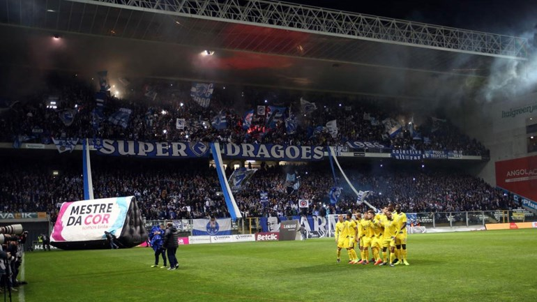 FC Porto: Soares continua de fora, Galeno no treino