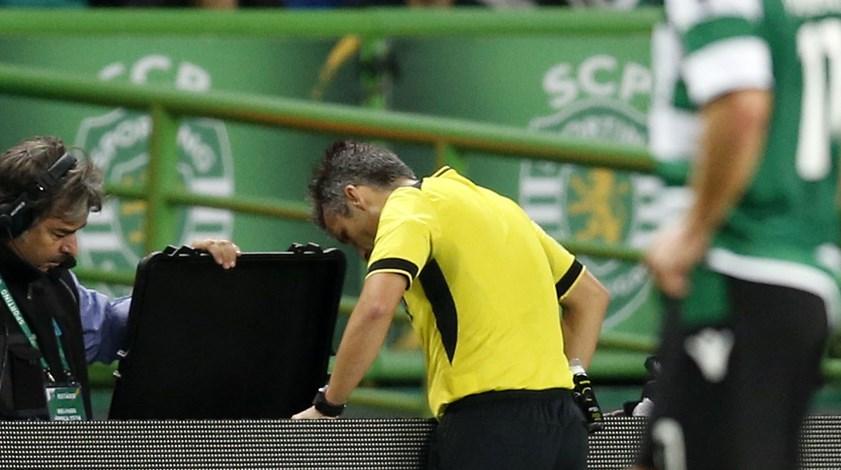 Rui Costa saiu sobre brasas de Alvalade: lance de Gelson visto e revisto