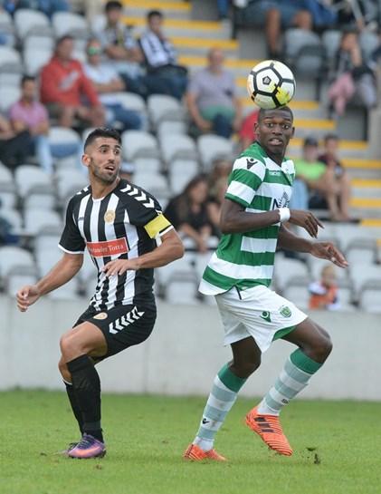 Nacional empata com Sporting B num jogo marcado por duas expulsões