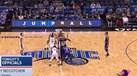 A pior bola ao ar da história da NBA e uma reação impagável