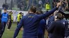 Treinador do AEK expulso após fazer este gesto para os adeptos da casa