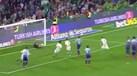 Andrés Guardado não falha nas bolas paradas