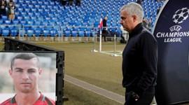 O jogo é com o Basileia mas a imagem que aparece a Mourinho é a de... Cristiano Ronaldo