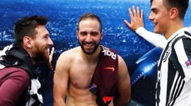 A imagem do final do Juventus-Barcelona que se tornou viral