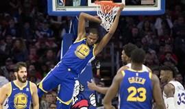Warriors recuperam de desvantagem de 24 pontos para vencerem Sixers
