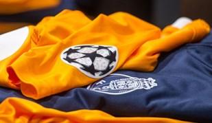 FC Porto veste de laranja frente ao Besiktas