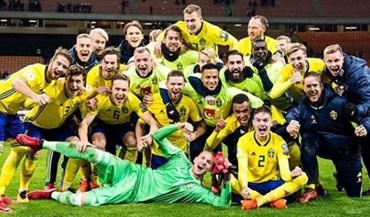 Ibrahimovic celebrou qualificação da Suécia 'à Ibra' e italianos caíram-lhe em cima