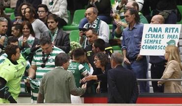 Bruno de Carvalho e capitães homenageiam Ana Rita