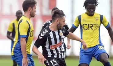 Nacional-U. Madeira, 2-1:  Dérbi para a história