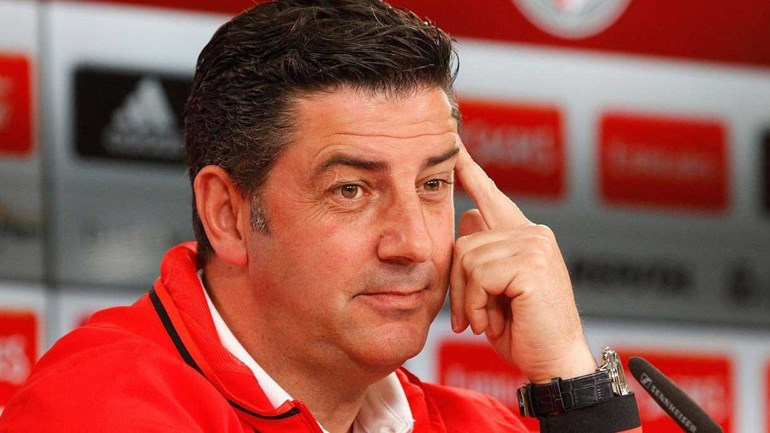 Benfica passa teste de Guimarães e iguala o Sporting à condição