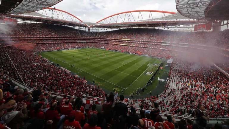Árbitro que pediu bilhetes para ver o Benfica renunciou ao TAD