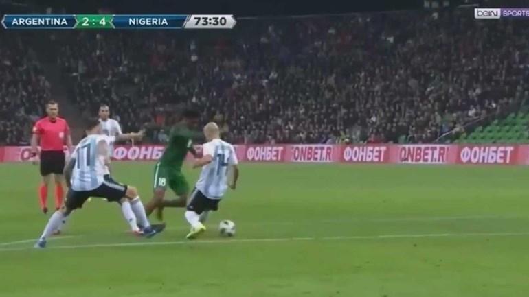 Iwobi 'humilhou' Mascherano antes de sentenciar vitória nigeriana
