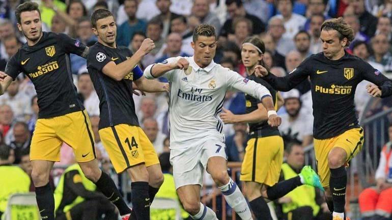 Cristiano Ronaldo e Griezmann agitam seus vestiários