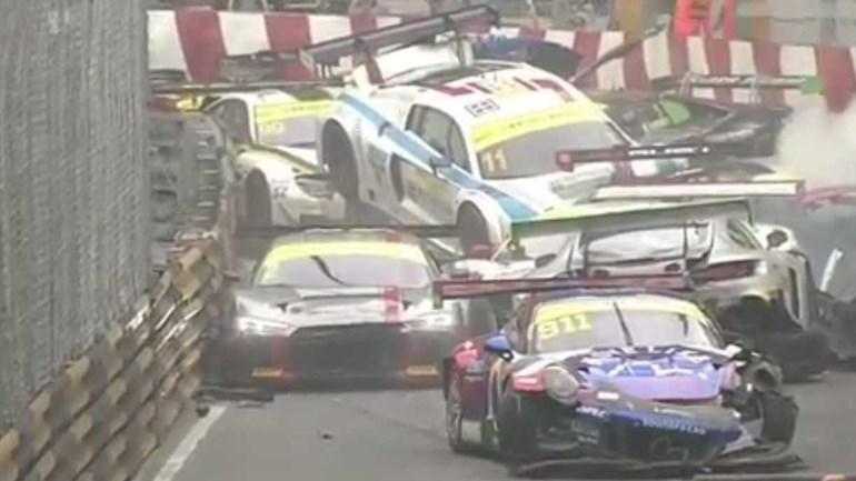 GP de Macau:  Erro de Juncadella provoca acidente caótico com 16 carros