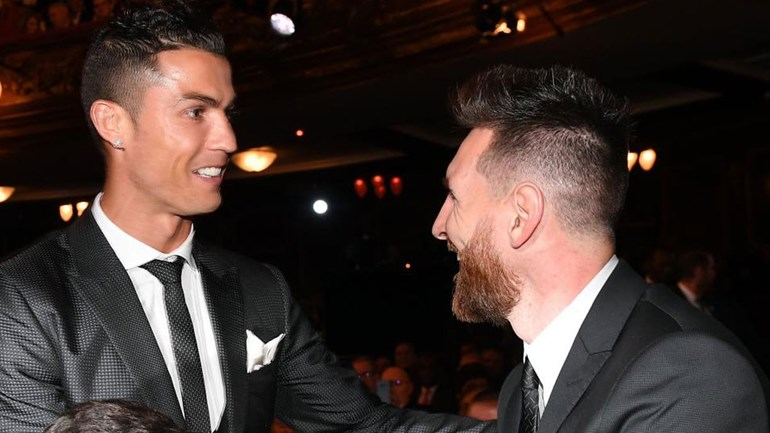 Messi comemora a quarta Chuteira de Ouro na carreira