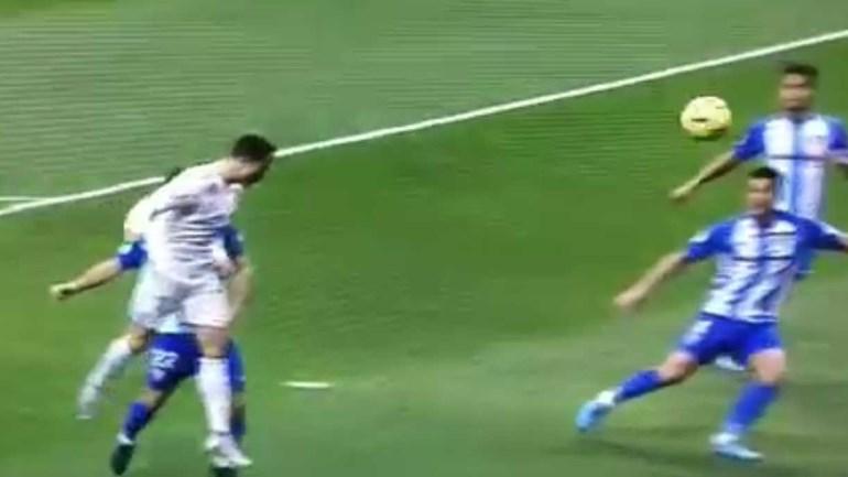 Ronaldo nem queria acreditar nesta grande defesa de Roberto